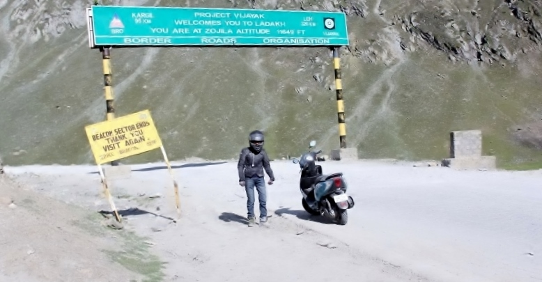 Anam Hashim and the TVS Scooty Zest 110 in Ladakh (13)