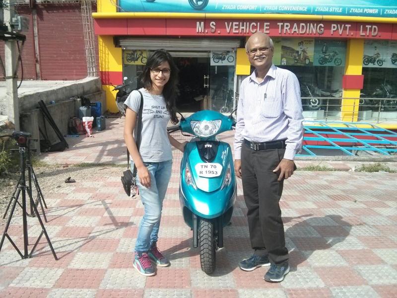 Anam Hashim takes the TVS Scooty Zest to Ladakh (8) (800x600)
