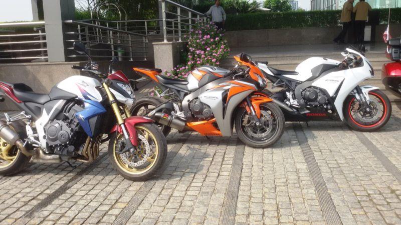 Big Bikes at Honda Weekend RideWEB