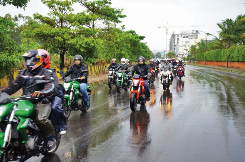 DSK Benelli Riders on Road -1WEB