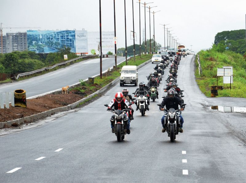 DSK Benelli Riders on Road -2WEB