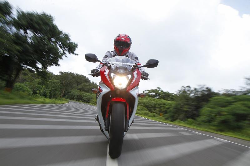 Honda CBR 650F (5) (800x533)