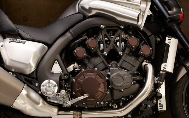 Turbocharged Yamaha VMAX 2 web