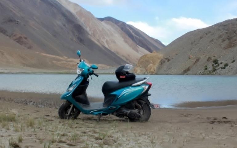 Anam Hashim and TVS Scooty Zest 110 in Ladakh (6)