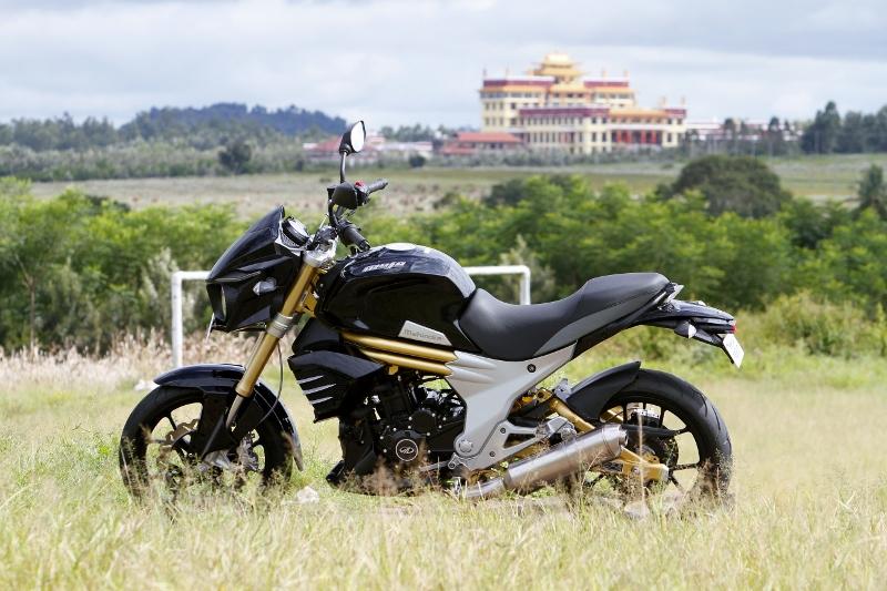 Mahindra Mojo First Ride (18)