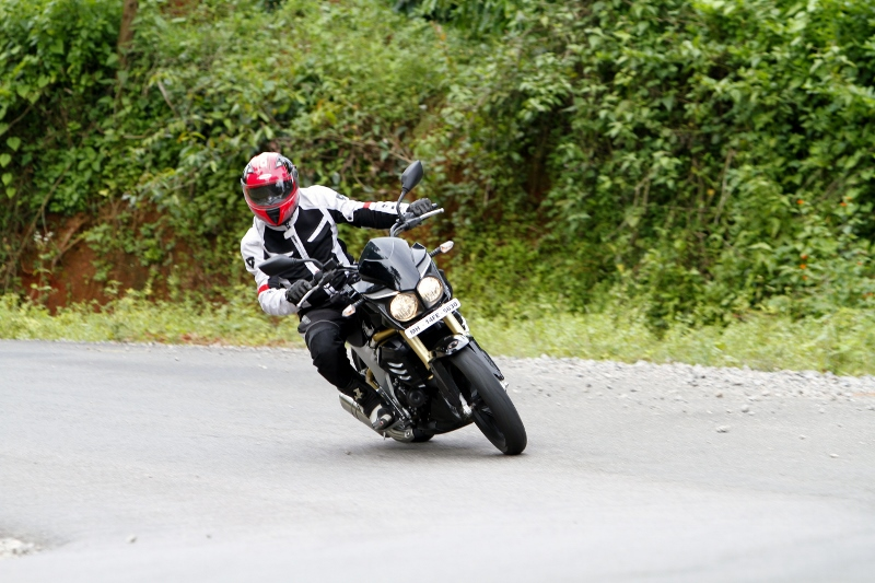 Mahindra Mojo First Ride (19)