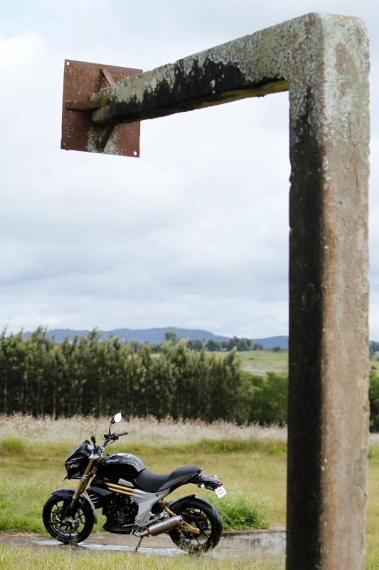 Mahindra Mojo First Ride (21)