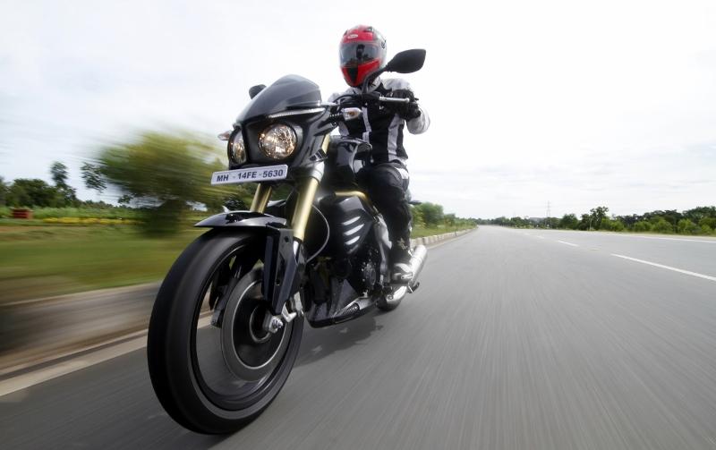 Mahindra Mojo First Ride (4)