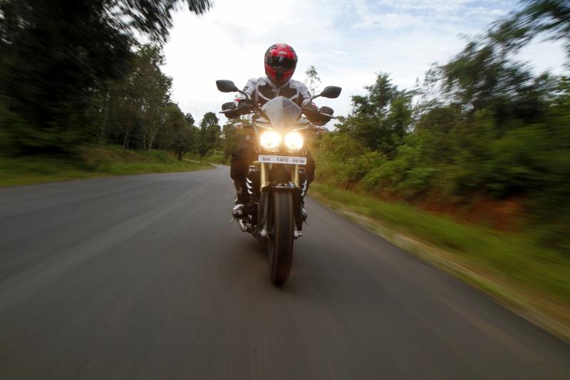 Mahindra Mojo First Ride (8)