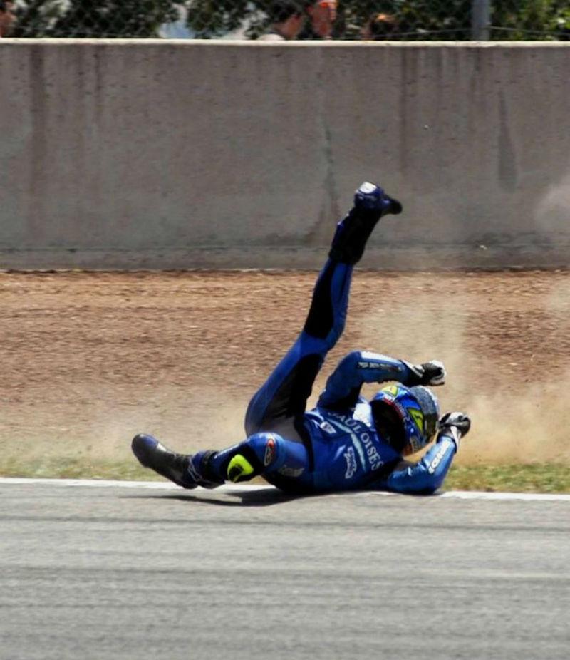 Motorcycle_rider_fall (1) web