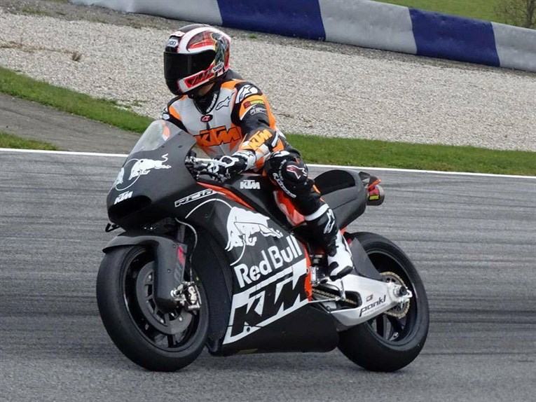 ktm-rc16-motogp-is-out-on-the-track-testing-video_3