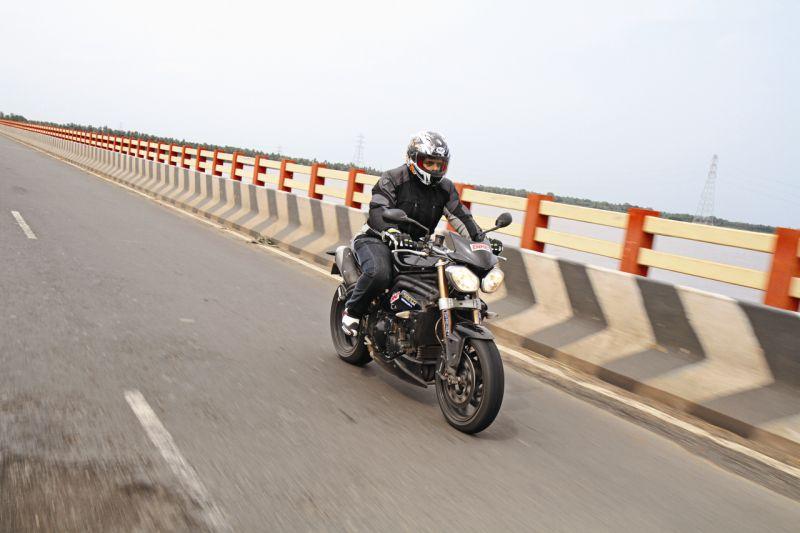 2015 Bike India TriplesOnTheQuad3 web 13