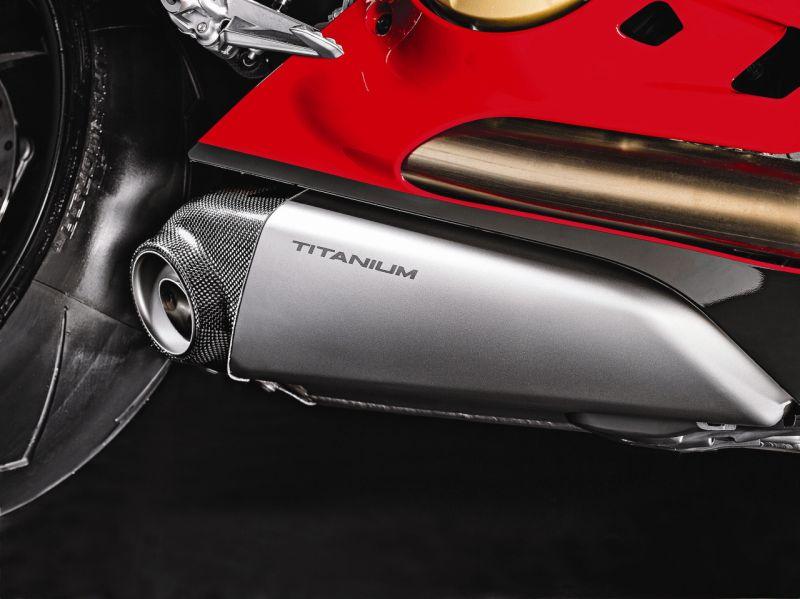 2015 Ducati 1199 Panigale R web 1