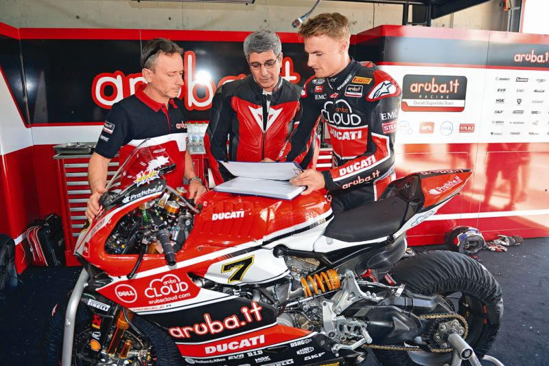 2015 Ducati 1199 Panigale R web 14