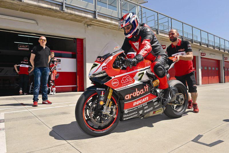 2015 Ducati 1199 Panigale R web 15