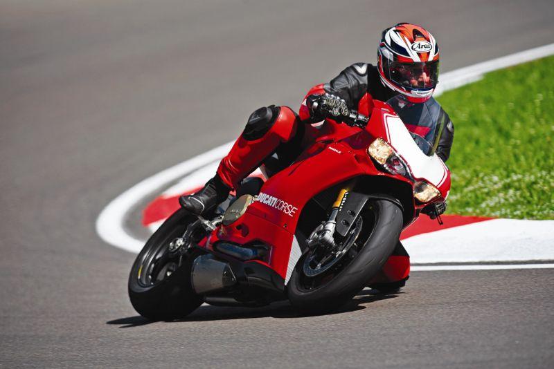 2015 Ducati 1199 Panigale R web 5