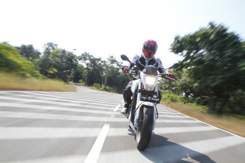Single, and Ready to Mingle Benelli TnT 25 Road Test (1)