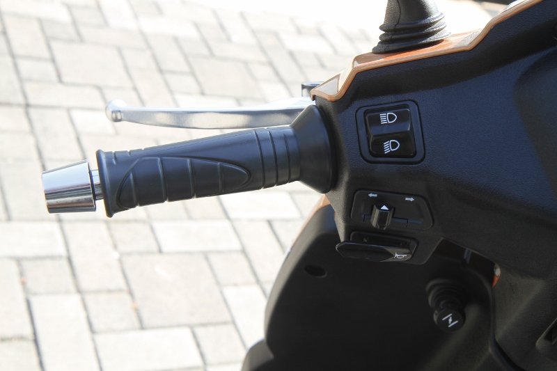 More Gusto for the Gusto Mahindra Gusto 125 First Ride Review (5)