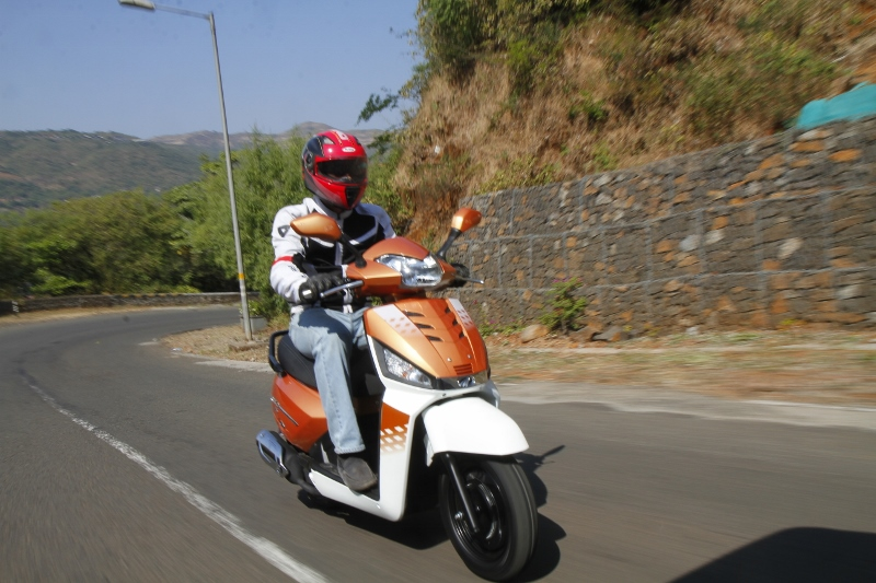 More Gusto for the Gusto Mahindra Gusto 125 First Ride Review (9)