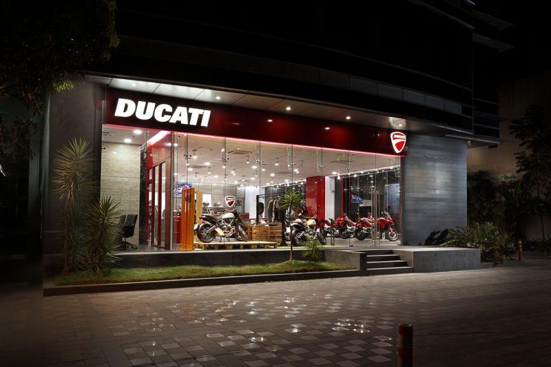 2016 Ducati Pune dealership launch web 4