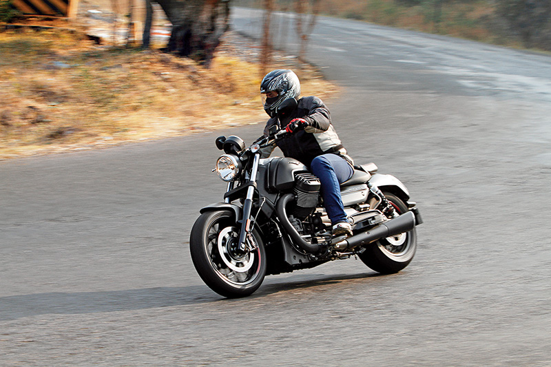 Moto Guzzi Audace 1400_First_Ride_Review_RS1