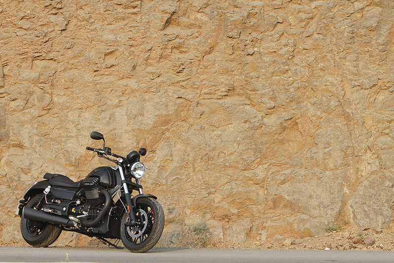 Moto Guzzi Audace 1400_First_Ride_Review_RS3
