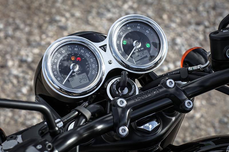 Triumph Bonneville T120 First Ride Clocks