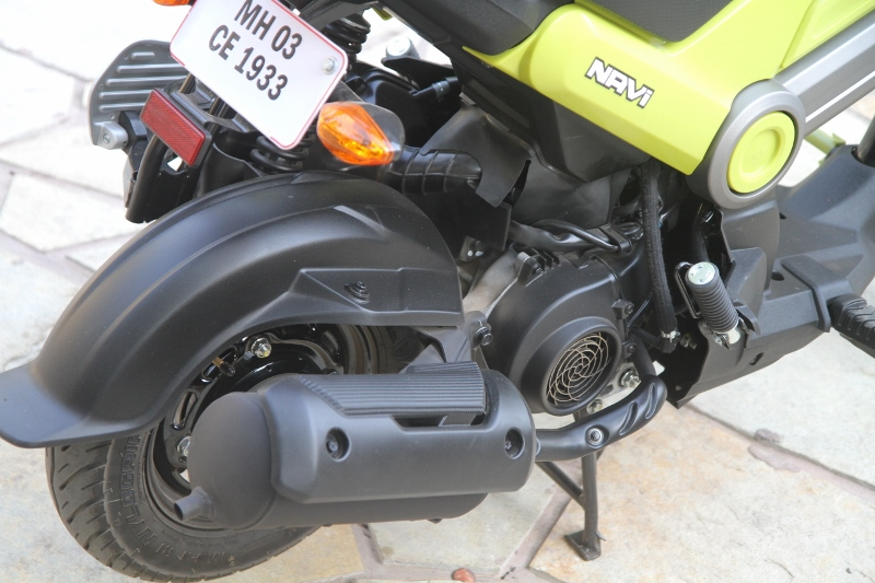 First Ride Review Honda Navi Crazy Little Thing Called Love (12)