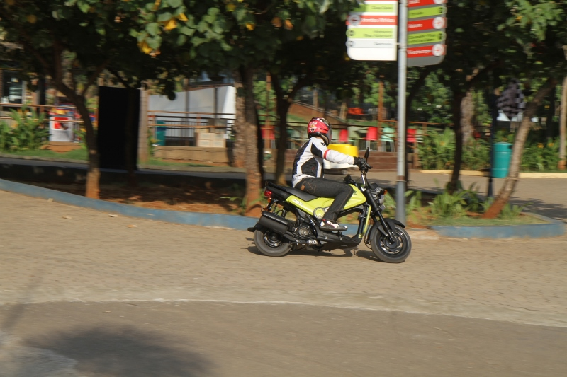 First Ride Review Honda Navi Crazy Little Thing Called Love (17)