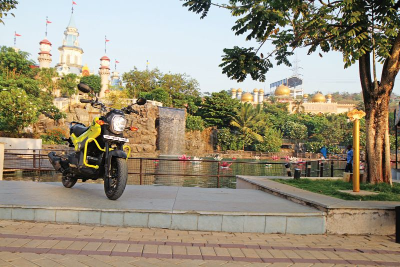 First Ride Review Honda Navi Crazy Little Thing Called Love (22)