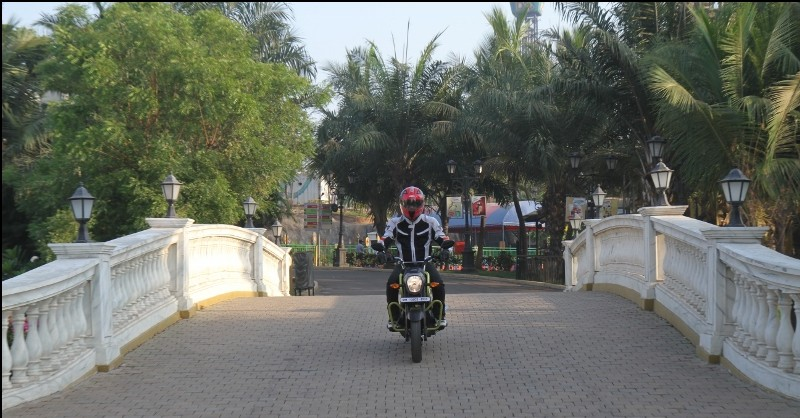 First Ride Review Honda Navi Crazy Little Thing Called Love (3)