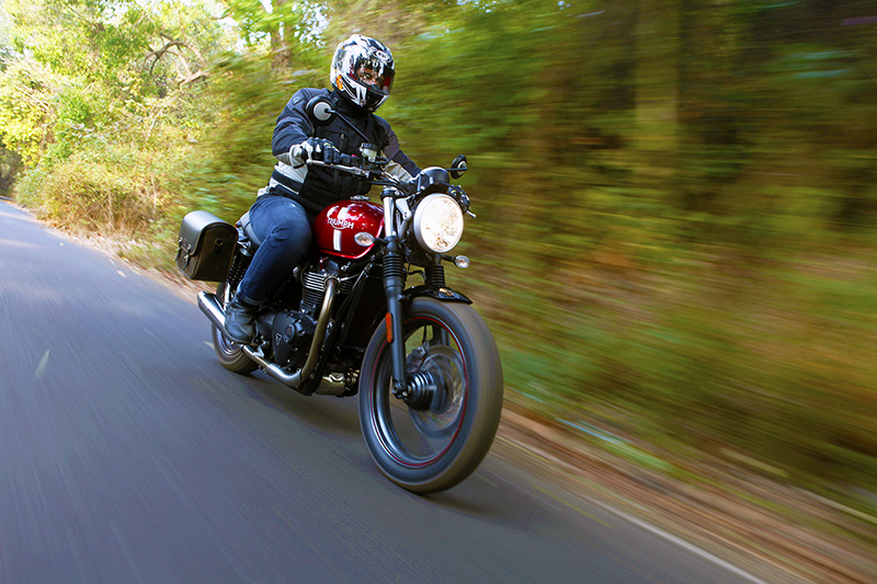 Triumph_Street_Twin_Ride_P1_S1
