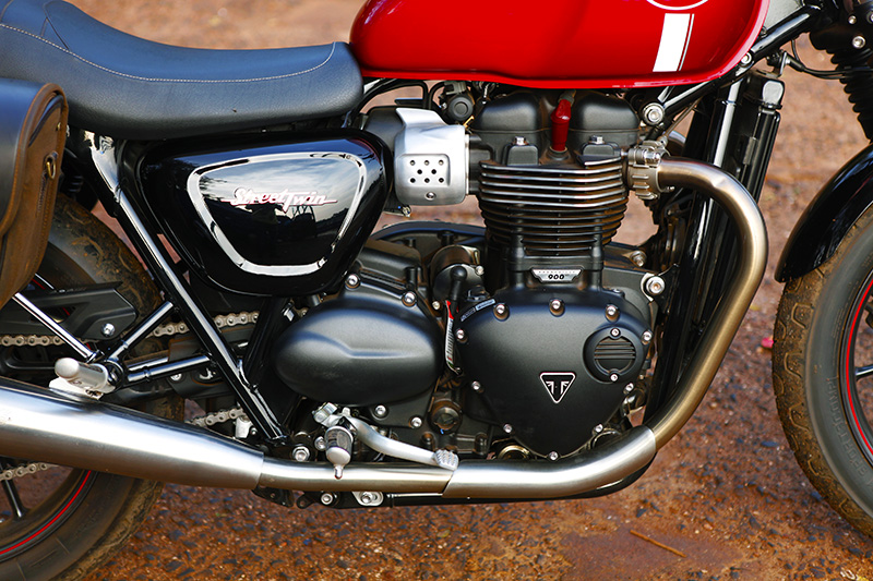 Triumph_Street_Twin_Ride_P2_S1