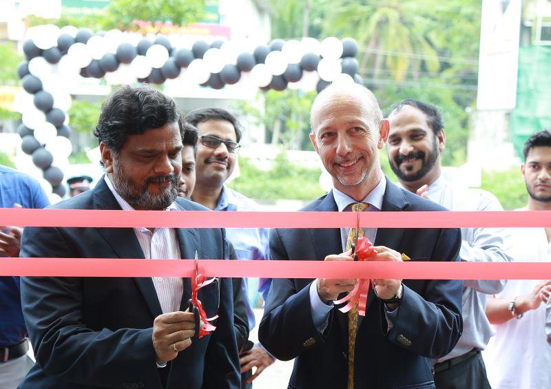 Shankar, Proprietor Jey Motors with Mr. Stefano Pelle, MD Piaggio India Web
