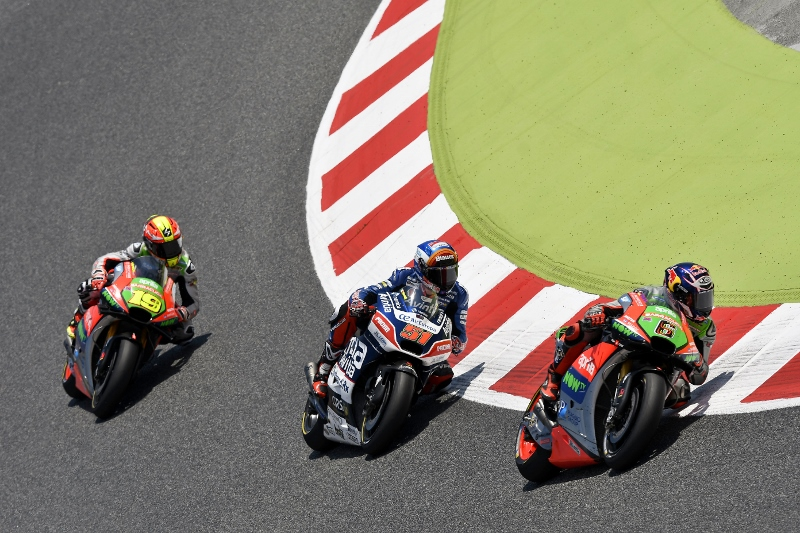 From Inside the Aprilia MotoGP Pit On the Racing Line (1)