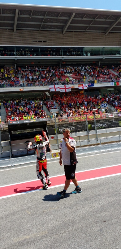 From Inside the Aprilia MotoGP Pit On the Racing Line (26)
