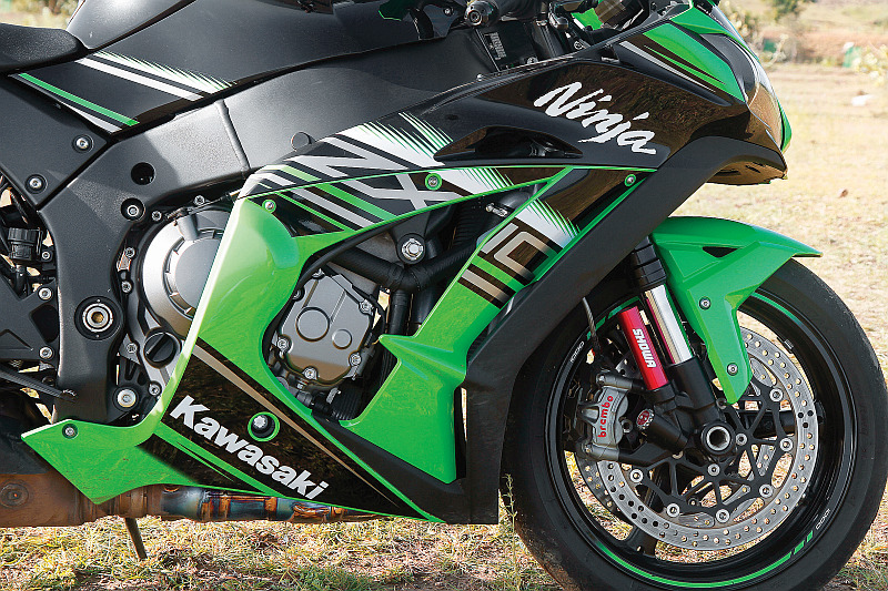 first-ride-kawasaki-ninja-zx-10r-race-bike-for-the-road-11