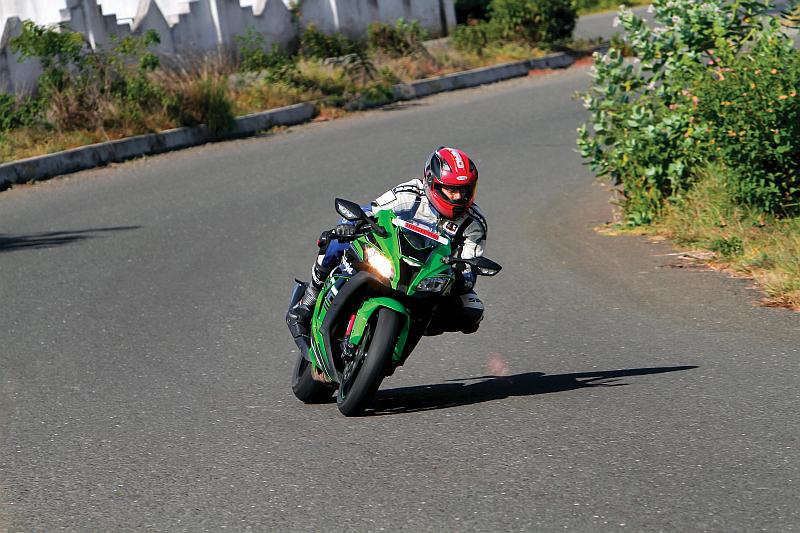 first-ride-kawasaki-ninja-zx-10r-race-bike-for-the-road-14