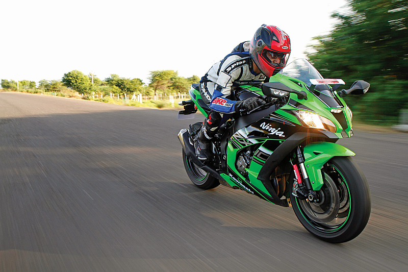 first-ride-kawasaki-ninja-zx-10r-race-bike-for-the-road-16