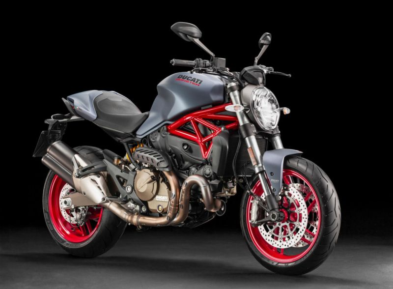 300916duc-ducati_monster_821-web