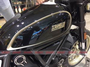 Ducati Scrambler Café Racer at EICMA - Tank details