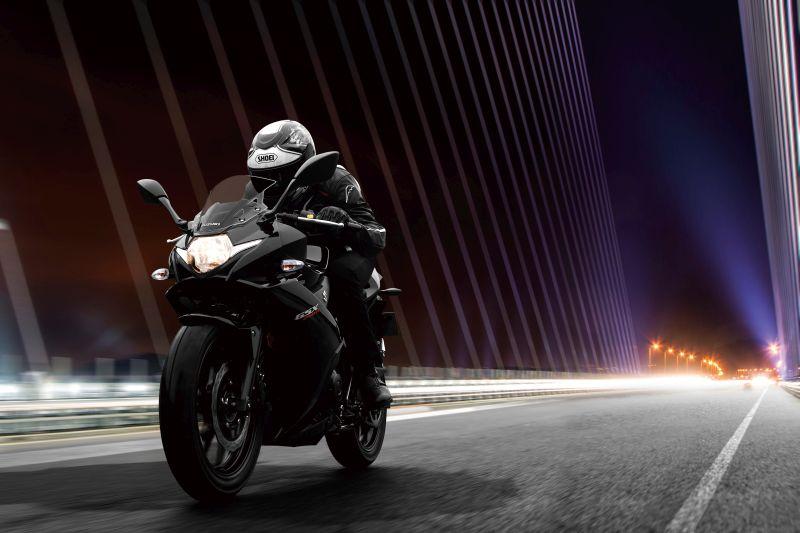 suzuki-launch-new-bikes-at-eicma-gsx250r-web