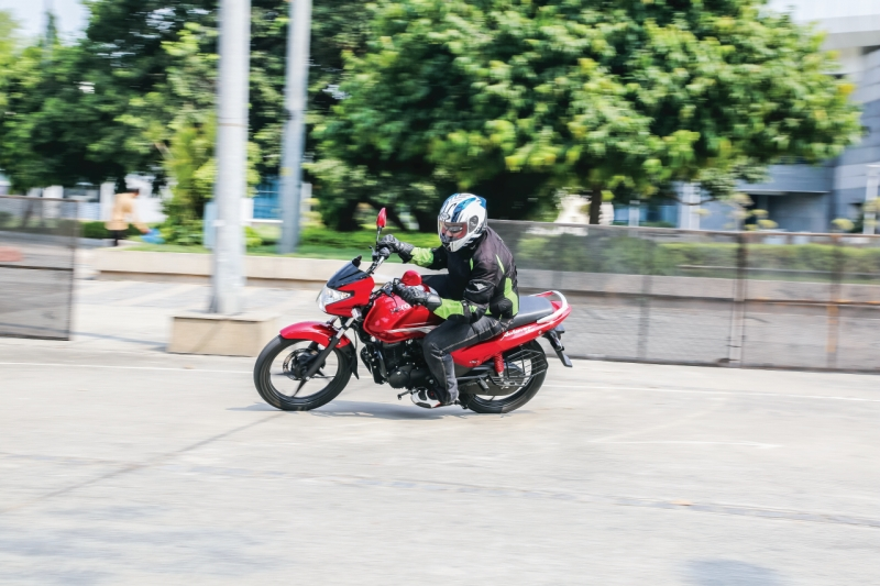 2016-hero-achiever-150-first-ride-review-web-2