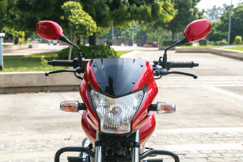 2016-hero-achiever-150-first-ride-review-web-5
