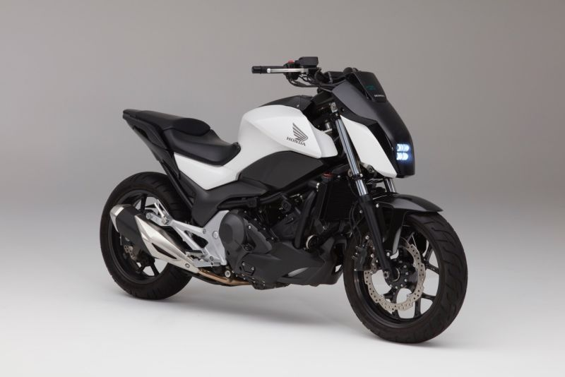 In a global debut at CES, Honda unveiled its Riding Assist technology, which leverages Honda's robotics technology to create a self-balancing motorcycle that greatly reduces the possibility of falling over while the motorcycle is at rest.