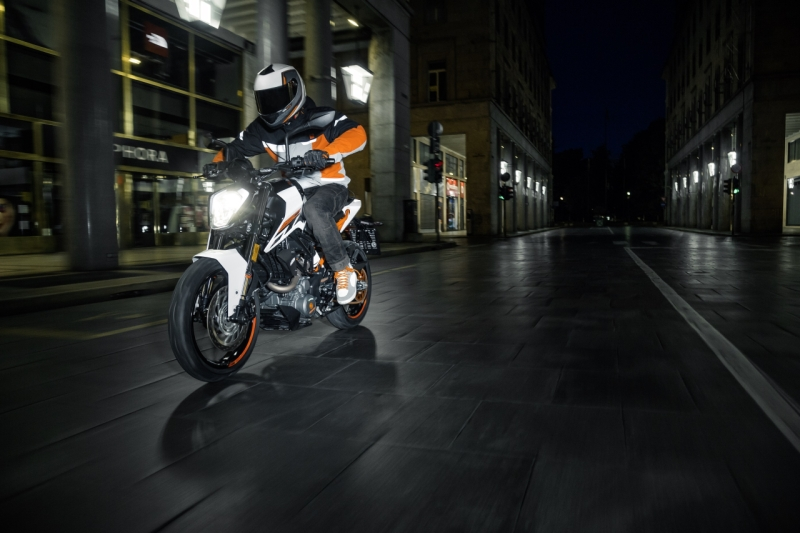 2017 KTM Duke Range launch web 250 1