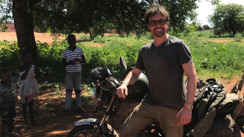 2017 Bike India Richard Hammond Crashes on TVS commuter web