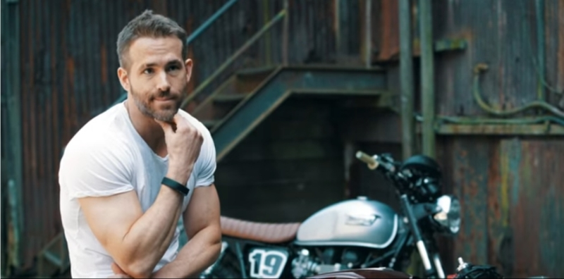 2017 Ryan Reynolds Deadpool motorcyle fan web 2
