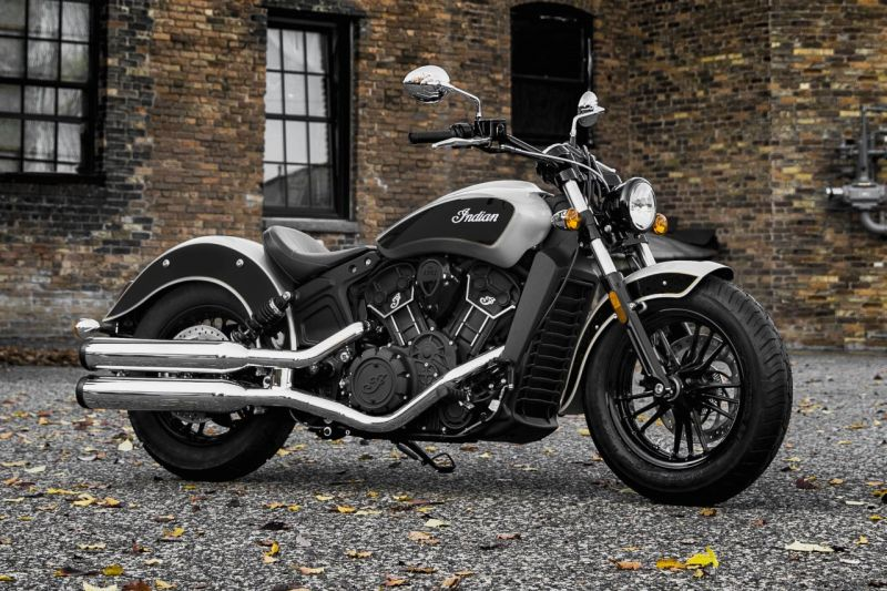 Indian Scout Sixty with dual-tone paint job Web 2
