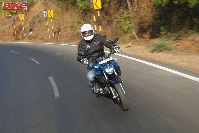 Yamaha-FZ25-250cc-First-ride-review-bike-india-M1